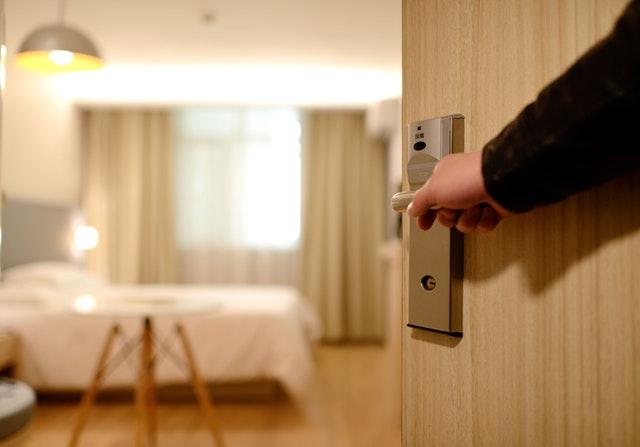 Nowoczesne rozwiązania dla hotelarzy – co jest modne i skuteczne?