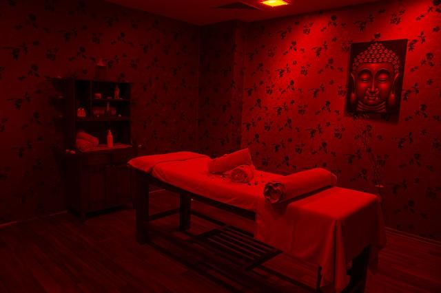Jakie modele łóżek sprawdzą się w salonach masażu?