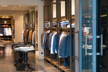 Jak otworzyć sklep z odzieżą?