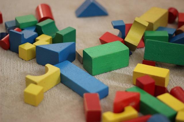 Zabawki drewniane – bezpieczna alternatywa