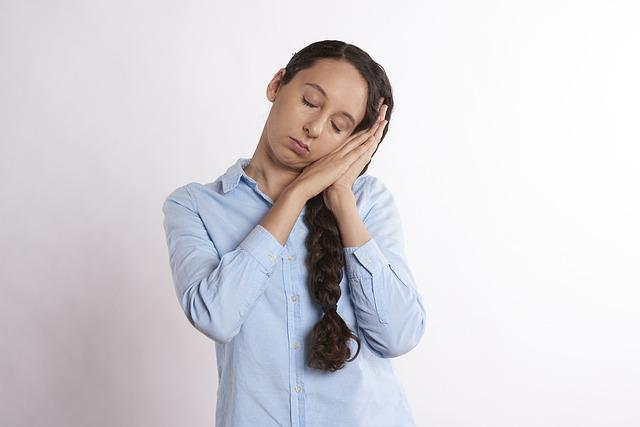 Jak walczyć z sennością w pracy?