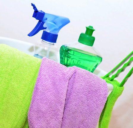 Płyny do mycia szyb - nie tylko do okien